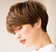 Face Shape Hairstyles, Retro Hairstyles, Short Hairstyles For Women, Easy Hairstyles, Japanese Short Hair, Japanese Haircut, Wedge Haircut, Stylish Short Hair, Androgynous Hair