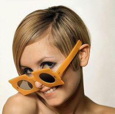 Twiggy - Sunglasses