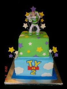 Haven't done a Toy Story for a while. This one was to focus mainly on Buzz. Isn't it cool that the birthday boys' name is Ty? Makes it look just like the Toy Story logo. Cumple Toy Story, Festa Toy Story, Toy Story Party, Toy Story Birthday, Mini Tortillas, Buzz Lightyear, Cupcakes, Cupcake Cakes, Bolos Toy Story