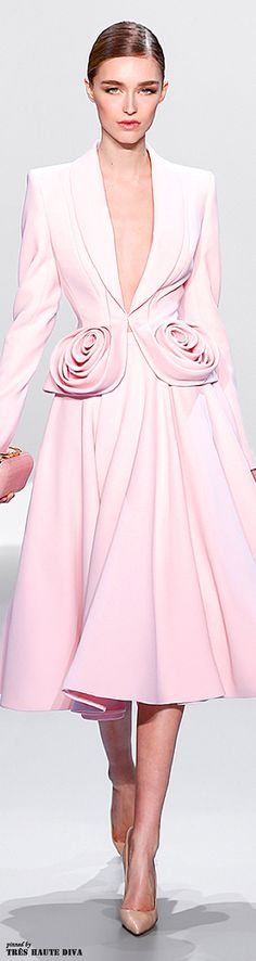 Ralph & Russo ~Latest Luxurious Women's Fashion - Haute Couture - dresses, jackets. bags, jewellery, shoes etc