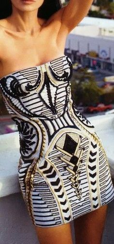 Love the geometric design- exquisite!