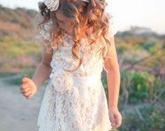 Cream flower girl dress lace baby dress rustic por SweetValentina