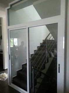 Ventanas de aluminio on pinterest puertas argentina for Puertas corredizas de aluminio