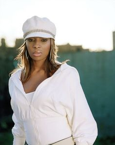 """Known as """"The Queen of Hip-Hop Soul,"""" MARY J. BLIGE is one of the best-selling R&B divas of all time. With her huge, cutting..."""