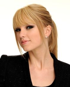 LOVE her straight hair and bangs