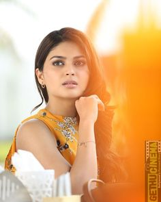 Vaibhavi Shandilya Latest Hot Photo Gallery It doesn't get any hotter than Sexy Vaibhavi Shandilya and this gallery of her sexiest photos. Vaibhavi Shandilya is Bollywood Actress Hot Photos, Tamil Actress Photos, Top Celebrities, Most Beautiful Indian Actress, Indian Models, South Indian Actress, Hair Photo, India Beauty, Sexy Asian Girls