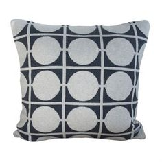 Spice up your old couch with the retro looking Don cushion cover from FunkyDoris. The cushion cover is knitted in brushed cotton and has a lovely nostalgic pattern with dots and stripes. Match the cover with other popular products from FunkyDoris for a unitary look! Choose from different colors.