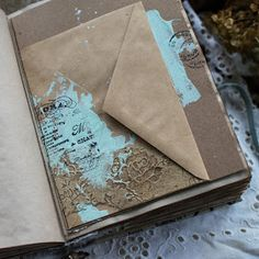 Handmade by Smilla: Блокнот с осенним настроением Memory Journal, Art Journal Pages, Junk Journal, Scrapbook Albums, Scrapbooking Layouts, Cardboard Paper, Art Journal Inspiration, Altered Books, Prayer Book