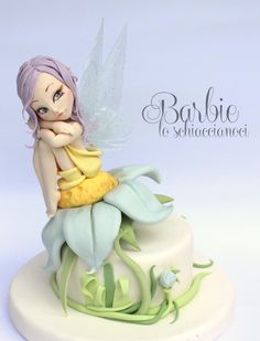 She is a little fairy, with Jelly wings. It was fun to create different shapes of wings on a mold made by me