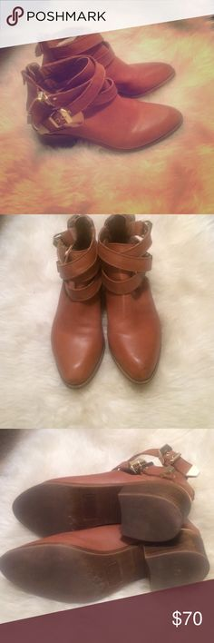 Seychelles booties Genuine leather. Zip up back. Great condition. Adjustable buckles. Tan and gold. Fits like a 6.5 Seychelles Shoes Ankle Boots & Booties
