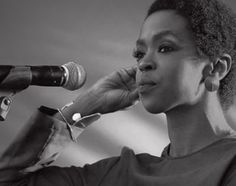 In September, Talib Kweli Greene published a piece on Medium about Lauryn Hill. Specifically the article was about how people feel about Lauryn Hill and their demands in regards to her music and he… Ms Lauryn Hill, Lauren Hill, Natural Hair Styles, Short Hair Styles, Michael Brown, Afro Punk, Hair Today, Musical, Black Girls