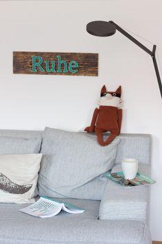 Ruhe-sign-living-room