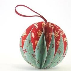 How to make gorgeous paper Christmas ornaments (Diy Paper Ornaments) Easy To Make Christmas Ornaments, Homemade Christmas Decorations, Christmas Paper Crafts, Christmas Origami, Noel Christmas, Handmade Christmas, Easy Ornaments, Homemade Ornaments, Christmas Nails