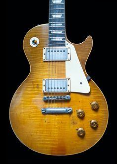 Look at these les paul classic guitars. Guitar Diy, Music Guitar, Cool Guitar, Les Paul Standard, Gretsch, Epiphone, Gibson Les Paul Sunburst, Bass Saxophone, 1959 Gibson Les Paul