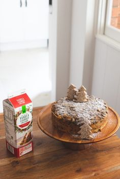 You need to try this four ingredient dessert this Christmas - Fat Mum Slim Fancy Desserts, No Cook Desserts, Martini Flavors, Gingerbread Christmas Tree, Fat Mum Slim, Little's Coffee, Lemon Meringue Pie, Christmas Pudding, Mixed Fruit