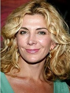 Natasha Richardson ( ) - an English stage and screen actress who won Tony Award, Drama Desk Award and Outer Critics Circle Award for her performance as Sally Bowles in the 1998 Broadway revival of Cabaret - born on Saturday, May 1963 in London, England Joely Richardson, Natasha Richardson, Beautiful Smile, Beautiful People, Maid In Manhattan, Celebrity List, Celebrity Faces, Role Models, Beauty Women