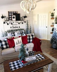last minute rustic christmas decorations to make more perfect your home 2 ~. last minute rustic christmas deco. Christmas Living Rooms, Christmas Room, Plaid Christmas, White Christmas, Beautiful Christmas, Living Room Xmas Decor Ideas, Buffalo Check Christmas Decor, Christmas Trimmings, Christmas Staircase