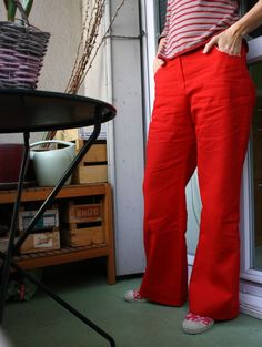 Burda Juin 2011 - Pantalon rouge 110A