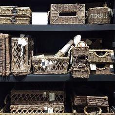 Hos @interiorgalleriet finner du et stort utvalg av rotting produkter fra Rivièra Maison 😍🙌🏼 Utrolig lekre produkter som passer inn overalt i huset 🙌🏼 Her finner du garantert en passende gave til den som har alt 🌸 Se hele sortimentet på www.interiorgalleriet.net ✨ #instafollow #home #L4L #followback