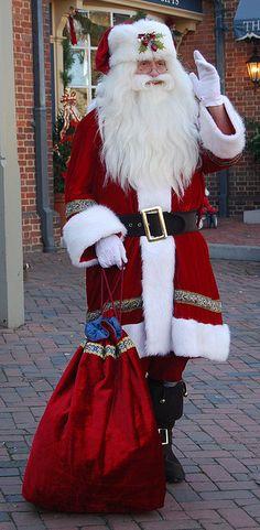 A santa in Williamsburg, VA
