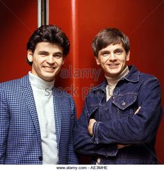 EVERLY BROTHERS in 1965 with Don at left and Phil - Stock Image