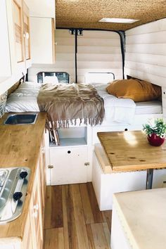 Ford Transit Home on wheels ! Ford Transit Home on wheels ! The post Ford Transit Home on wheels ! appeared first on Design Diy. Van Living, Tiny House Living, Living Room, Van Life, Van Interior, Interior Design, Interior Ideas, Small Camper Interior, Motorhome Interior