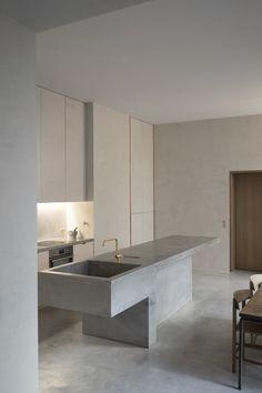 58 Unique Kitchen Island Design Ideas For Home Modern Interior Design, Interior Design Kitchen, Interior Design Inspiration, Kitchen Decor, Design Ideas, Kitchen Design Scandinavian, Minimal Kitchen Design, Modern Interiors, Interior Architecture