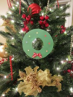 Dollar Kid Crafts - Christmas Wreath (construction paper, tissue paper and ribbon!)