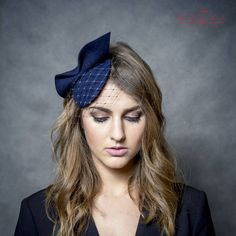 Navy blue mini pill box hat with bow and piece of netting, dark blue fascinator, felt headpiece, small navy hat Facinator Hats, Floral Fascinators, Tea Party Attire, Navy Blue Fascinator, Ascot Style, Navy Hats, Elegant Sophisticated, Pin Up Hair, Pillbox Hat