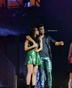 Disney Channel, Victoria, Son Luna, Cute Pictures, It Cast, Stars, Concert, Zendaya, Wallpaper