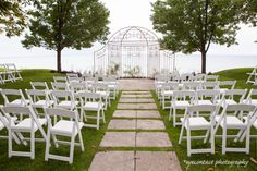 Scarborough Hunt Club, a lovely and quaint indoor/outdoor wedding venue overlooking Scarborough Bluffs and Lake Ontario. Photo: eyecontact photography