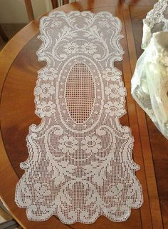 Crochet Placemats, Crochet Table Runner, Crochet Doilies, Crochet Thread Patterns, Filet Crochet Charts, Cross Stitching, Sewing Tutorials, Diy And Crafts, Couture
