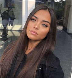 <img> Amazing green eyes and a light makeup Brown Hair Shades, Light Brown Hair, Brown Hair Colors, Brown Eyes Brown Hair, Light Eyes Dark Hair, Brown Hair Girls, Brown Hair Inspo, Brown Hair Tones, Brown Hair Inspiration
