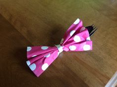 Napkin, fork and spoon for Minnie Bowtique birthday party. Minnie Mouse 1st Birthday, Minnie Mouse Theme, Minnie Mouse Baby Shower, Mickey Y Minnie, Mickey Party, Pirate Party, Second Birthday Ideas, Third Birthday, 3rd Birthday Parties