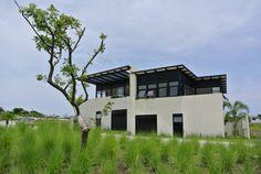 Encuentra las mejores ideas e inspiración para el hogar. Punta Tiburon Marina & Golf Veracruz Mexico por Tabique | homify