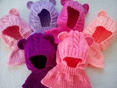 Kukla medvídek 0,6 - 1 rok - barva na přání Dětská pletená kukla medvídka se hodí na dítko od 6 měsíců do 1 roku, má ozdobné ouška a vypletený vzorek. Medvídka lze uplést v jakékoliv barvě, pokud jí budu mít(zásoby se menší)....:-)Na fotce nejsou všechny barvy vlny co mám. Kuklička je v uni velikosti a dobře se přizpůsobí hlavičce:-). Ideální obvod hlavičky ...