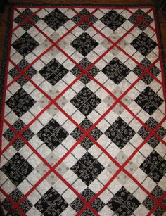 Black White and Red Argyle Quilt by mycloverpatch on Etsy, $80.00