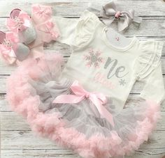 1st Birthday Outfit Girl, First Birthday Dresses, Baby Girl 1st Birthday, Frozen Birthday, Birthday Cake, Winter Onederland, Cake Smash Outfit Girl, Winter Outfits, Birthday Shirts