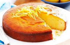 Lemon Yoghurt cake with syrup. The use of yoghurt in this recipe makes for a fluffier baked cake. Lemon Desserts, Lemon Recipes, Sweet Recipes, Cake Recipes, Dessert Recipes, Lemon Yogurt Cake, Lemon Drizzle Cake, Lemon Syrup Cake, Food Cakes
