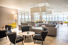 Le lounge bar « Le Bolibar » offre une vue spectaculaire sur la Baie des Flamands.