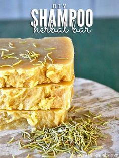 Avoiding ingredients in food is easy. In house and beauty products? Swap out your typical chemical-laden shampoo with this homemade shampoo bar instead. A step-by-step tutorial will walk you through the simple and budget-friendly recipe, and Shampoo Bar Diy, Homemade Shampoo, Natural Shampoo Recipes, Natural Soaps, Homemade Facials, Diy Savon, Savon Soap, Aloe Vera, Lush Products