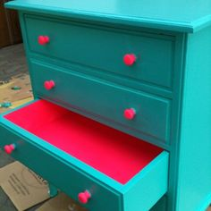 upcycled furniture Insanely Smart Creative and Colorful Upcycling Furniture Projects Funky Furniture, Refurbished Furniture, Repurposed Furniture, Furniture Projects, Furniture Makeover, Home Furniture, Diy Projects, Bedroom Furniture, Furniture Stores