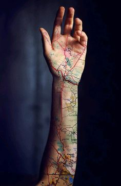 Attention Travelers, These Map Tattoos Will Give You Major Wanderlust – piercings Tattoo Girls, Girl Tattoos, Tattoos For Women, Tatoos, Unique Tattoos For Men, Cool Tattoos For Guys, Map Tattoos, Body Art Tattoos, Sleeve Tattoos