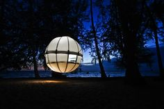 Prefab Cocoon Tree is a spherical pod for tree lovers : TreeHugger - camping just became really attractive! Modern Tree House, Tree Tent, Outside Magazine, Cocoon, Luxury Tents, Green Architecture, Mobile Architecture, Sustainable Architecture, Frank Lloyd Wright