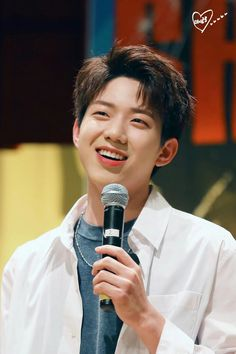Find images and videos about dowoon and yoon dowoon on We Heart It - the app to get lost in what you love. Jae Day6, Day6 Dowoon, Extended Play, Bad Boys, K Pop, Young K Day6, Kim Wonpil, Pop Rock, Korean Bands