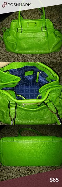 GREEN DRAWSTRING BUBBLE BAG INSPIRED!! VERY WELL MADE..NICE WEIGHT AND IN EXCELLENT CONDITION!! MEASURES 13 INCHES WIDE AND 9 INCHES TALL. Bags