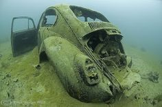 I bet you've never seen a Beetle sunk at the bottom of the ocean!!