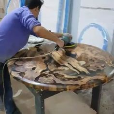 Fine Wood Table Designs Look around as you move throughout your day. You see examples of man's mastery of woodworking everywhere. From mailbox posts to pieces of furniture and art to full buildings, the power to use wood to create is Diy Resin Table, Epoxy Wood Table, Epoxy Resin Table, Diy Resin Art, Diy Resin Crafts, Wood Crafts, Diy Wood, Woodworking Projects Diy, Woodworking Furniture