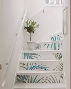 Stairs Decals exotic jungle - peel&stick removable decals for stair risers! Fine idea to give a new look to old stairs! You can apply it by yourself Staircase Decals, Painted Staircases, Staircase Design, Painted Stairs, Ikea Kura, Home Decoracion, Traditional Tile, Door Murals, Stairs Architecture
