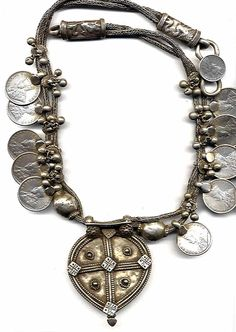 Original silver necklace with coins from Gujerat India early 20th c (archives sold Singkiang)